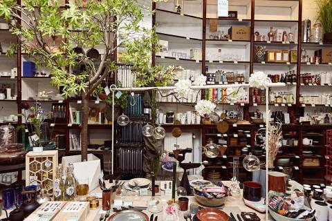 Piet Moodshop | Design store<br>Sint-Pietersnieuwstraat 94, Gent
